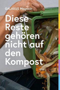 Biologisch abbaubaren Abfall zu kompostieren, ist vorbildlich, nachhaltig und ökologisch sinnvoll. Doch nicht alles gehört auf den Kompost. Welche Speisereste und Küchenabfälle du kompostieren solltest und was du besser sein lässt, erfährst du hier.
