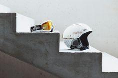Das passende Equipment für den Skiurlaub in Schladming. Snowboard, Football Helmets, Concept, Store, Ski Trips, Tent, Shop Local, Shop, Storage