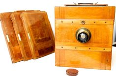 Antique wooden plates (bellows) camera including Goerz Doppel ...