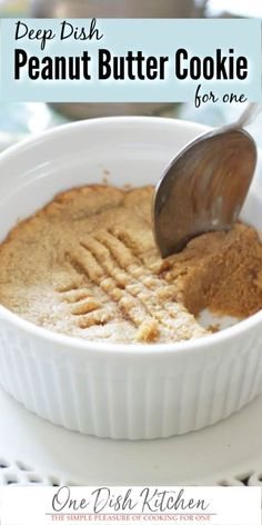 Soft, easy to make Peanut Butter Cookie baked in a small ramekin or baking dish. You only need a few ingredients and a few minutes to make this single serving classic peanut butter cookie recipe. Classic Peanut Butter Cookie Recipe, Chocolate Cookie Recipes, Easy Cookie Recipes, Chocolate Chip Cookies, Microwave Peanut Butter Cookie Recipe, Mug Cake Microwave, Nutella Cookies, Cookie Butter, Best Peanut Butter