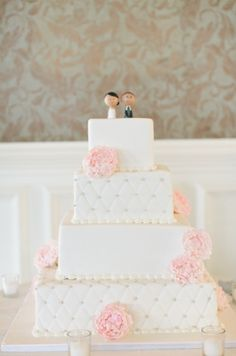Pink and White color palate #carlosbakery Photo credit: Amy Rizzuto