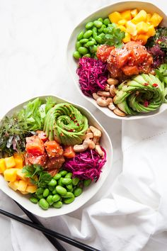 he pest pin for you, Poke bowl Raw Food Recipes, Seafood Recipes, Asian Recipes, Healthy Dinner Recipes, Vegetarian Recipes, Plats Healthy, Clean Eating, Healthy Eating, Health Dinner