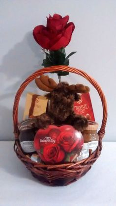 $40 @Ebay  Happy Valentine's Day Moose Chocolate Love Gift Basket  #Handmade Dry Fruit Basket, Valentine Baskets, Valentine's Day Gift Baskets, Star Events, Ebay Sale, Wine Gifts, Happy Valentines Day, St Patricks Day, Holiday Crafts