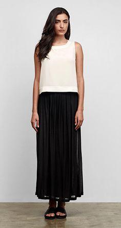 Our Favorite Spring Looks & Styles for Women Mature Fashion, Fashion 2017, Fashion Outfits, Style Ideas, Style Inspiration, Minimalist Fashion Women, Black Maxi, Spring Looks, Elegant Outfit