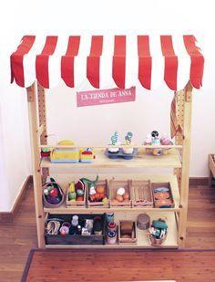 DiY play market: Easy, english and spanish using an Ikea Bookshelf by Ilustradero