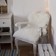 Use a fake sheep skin to reupholster a chair in five minutes. www.songbirdblog.com