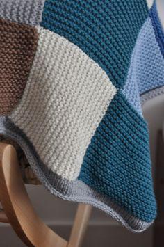 36 Ideas Patchwork Coperte Tutorial For 2019 Easy Crochet Blanket, Patchwork Blanket, Patchwork Baby, Knitted Throw Patterns, Knitted Blankets, Baby Knitting Patterns, Free Knitting, Diy Crafts Crochet, Knit Crochet