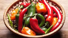 A new study links spicy meals to a longer life, but there are actually many reasons heating things up can be great for you. Here are 6 facts that just might surprise you. Spicy Recipes, Healthy Chicken Recipes, Great Recipes, Healthy Fruits, Healthy Foods, Healthy Life, Healthy Eating, Gnocchi Recipes, Healthy Living Quotes