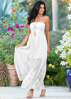 Take your first steps into spring in this beautiful maxi! Venus lace detailed maxi dress with Venus multi color stone sandal and Venus beaded necklace with tassel.