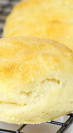 How To Bake The Best Homemade Biscuits How To Make Biscuits, Homemade Biscuits, Buttermilk Biscuits, Baking Biscuits, Fluffy Biscuits, Homemade Breads, Yeast Biscuits, Mayonaise Biscuits, Sour Cream Biscuits