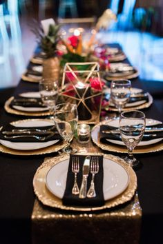 This glam gold and black tropical wedding is filled with exotic elegance. It& an indoor tropical paradise of palm trees, exotic flowers and striking gold details with pops of teal and fuchsia. Gold Wedding Colors, Wedding Themes, Wedding Tips, Trendy Wedding, Elegant Wedding, Wedding Table, Wedding Flowers, Wedding Planning, Dream Wedding