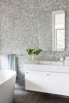 Small Square Tiled Walls In This Bathroom Design Lischkoff Design