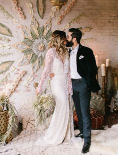Moroccan Love Wedding Inspiration // Elopement Floral Mandala Wall Neutral Palette From make up to hair but also everything else that inspires my work Long Sleeve Wedding, Wedding Dress Sleeves, Wedding Dresses, Boho Bride, Boho Wedding, Dream Wedding, Hair Wedding, Wedding Stuff, Cactus Wedding