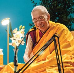 Venerable Geshe Kelsang Gyatso teaching at an international festival in Portugal to over 8000 people of over 30 nationalities