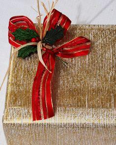 Come incartare i regali di Natale - http://www.magiconatale.it/1614-come-incartare-i-regali-natale/
