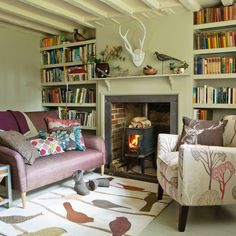 Country living room pictures and photos for your next decorating project. Find inspiration from of beautiful living room images Cottage Living Rooms, Cottage Interiors, My Living Room, Home And Living, Woodland Living Room, Country Interiors, Small Living, Living Spaces, Salons Cottage