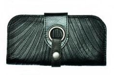 Portefeuille noir de @Cokluch - Disponible chez Belle et Rebelle et à http://boutique.belleetrebelle.ca/
