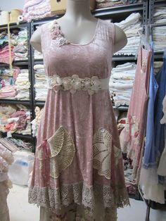 Vintage Kitty.. gorgeous dusky salmony pink velvet tunic.. ecru,guipure, lace, doilies.crochet... roses, shabby chic.. size Med/XL