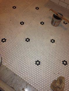 Pastilha hexagonal no piso