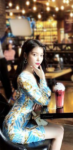 Guys And Girls, Kpop Girls, Cute Girls, Iu Fashion, Korean Fashion, Korean Women, Korean Girl, Red Velvet Irene, Korean Star