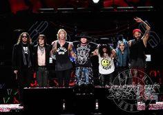 Guns N' Roses concerto in Italia - Il grande concerto è pronto. I Guns N' Roses stanno per tornare e da tempo i biglietti sono andati letteralmente a ruba... - Read full story here: http://www.fashiontimes.it/2017/06/guns-n-roses-concerto-italia/