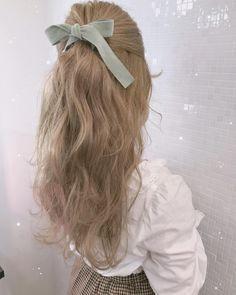 Hair Inspo, Hair Inspiration, Coiffure Hair, Hair Reference, Aesthetic Hair, Grunge Hair, Pretty Hairstyles, Long Wavy Hairstyles, Kawaii Hairstyles