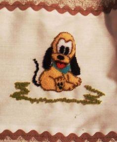 Pluto bebé en bordado chino / Baby Pluto with punchneedle - Igolochkoy needle   https://www.facebook.com/photo.php?fbid=506439132725678=a.248148038554790.54198.163337617035833=3=1