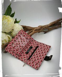 La Fontaine des Faits sur Instagram: Aujourd'hui c'était aussi couture avec un porte monnaie compère de chez @patrons_sacotin coordonné au petit sac d'hier 😁 Fournitures…