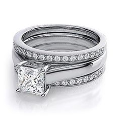 Double wedding bands on solitaire ring??    Pics please! :  wedding Ringset