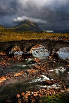 Marsco and Old Bridge in the Red Hills, Sligachan, Isle of Skye, Scotland Scotland Uk, England And Scotland, Scotland Travel, Scotland Castles, Scotland Nature, Great Places, Places To See, Beautiful Places, Old Bridges