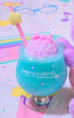 Bild von jemand entdeckt. Entdecke (und speichere!) deine eigenen Bilder und Videos auf We Heart It Aesthetic Food, Pink Aesthetic, Yummy Drinks, Yummy Food, Colorful Drinks, Kawaii Dessert, Kawaii Accessories, Cream Soda, Cute Desserts