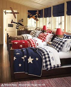 would LOVE THIS for my 3 boys--put two rooms together!!! hmmm... PB