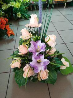 Altar Flowers, Church Flower Arrangements, Floral Arrangements, Vence, Cemetery Flowers, Ideas Para Fiestas, Funeral Flowers, Flower Bouquet Wedding, Ikebana