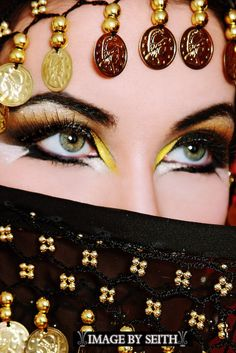 Arabian inspired makeup is one of my FAVORITE styles...so challenging to do though