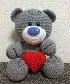 Strikk amigurumi: Kjærlighet bjørn