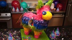 Learn how to make a pinata party cake from Food Network Cake Challenge champion Bronwen Weber in this cake decorating course from CakeMade.com.