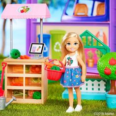 Pit stop to snap a quick sister 📸 Tell us where your little one is spending summer vacation with the Roberts sisters? Barbie Club, Barbie Bebe, Barbie Chelsea Doll, Barbie Kids, Barbie Dolls, Disney Princess Toys, Barbie Fashionista Dolls, 8th Birthday, Fashion Sewing