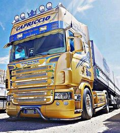 Used Trucks, Cool Trucks, Transport Pictures, Scania V8, Transport Companies, Volvo Trucks, Busse, Old Cars, Rigs