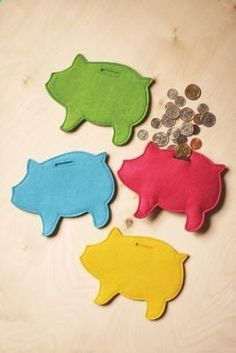 Felt piggy banks  I did this, but with ultrasuede instead of felt.