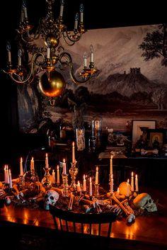 Retro Halloween, Spooky Halloween, Chic Halloween Decor, Cheap Halloween, Holidays Halloween, Halloween Crafts, Halloween Makeup, Halloween Costumes, Ghost Costumes