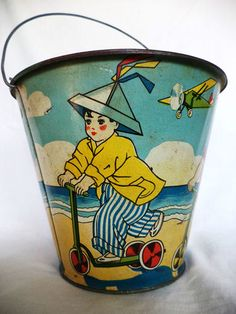 Vintage sand pail. (eBay)