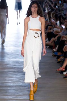 http://www.vogue.com/fashion-shows/sao-paulo-spring-2015/giuliana-romanno/slideshow/collection