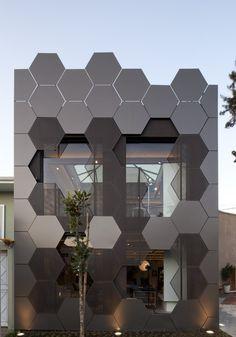 attraktive und moderne Fassadengestaltung mit Wabdenstruktur