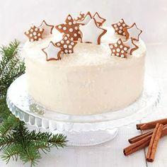 Świąteczny tort marchewkowy z mocnymi nutami piernika i kremem z chałwy i białej czekolady będzie ozdobą świątecznego stołu. Jest wilgotny i aromatyczny. Cookie Recipes, Dessert Recipes, Desserts, Fresh Fruit Cake, Love Eat, Christmas Sweets, Food Crafts, Confectionery, Cake Cookies