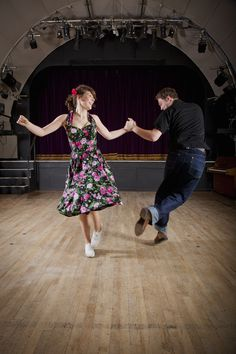 Doing a bit of shag.....collegiate shag that is! Clean your minds people... #swing #swingdancing #lindyhop
