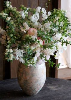 Hi I'm Glenda.I love French country style, shabby chic , romantic and white style. Love French, French Country Style, Flower Vases, Flowers, White Style, Shabby Chic, Floral, Blog, Home Decor