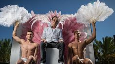 Julian Clary to lead 2016 Adelaide Fringe parade | AdelaideNow