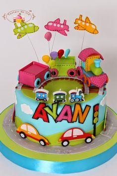 Ayan are trei ani si ii plac mult trenuletele, masinutele , avioanele si tot ce merge pe roti sau poate zbura. De aceea, mami i-a facut o su...