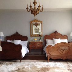 home decor classy Southern Home Interior Bonjour from our guest room. I loved sleeping in our guest room. I am happy to report that our future guests will be comfortable. Classic Home Decor, Cute Home Decor, Home Decor Signs, Fall Home Decor, Vintage Home Decor, Cheap Home Decor, Target Home Decor, Minimalist Home Interior, Home Decor Paintings