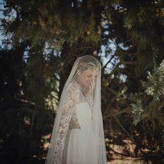 Un adelanto del post de mañana!! by @serafin_castillo ➕ @aliciaruedaatelier ➕ @india_tiarasytocados #noosloperdáis #fotones #vestidazo #novia #bride #vestidonovia #weddinggown #boda #wedding